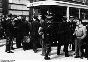 Policiers parisiens pendant la Rafle du Vel d'hiv