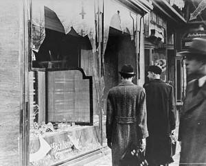 Commerce juif saccagé le lendemain de la Nuit de Cristal
