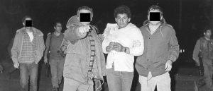 la photo du captif avant son exécution. Lorsqu'elle fut dévoilée les visages des agents étaient cachés