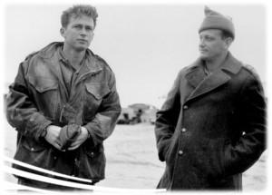 Itzhak Rabin, jeune officier en compagnie du chef du Palmah; Ygal Alon en 1948