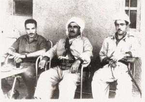 Tsouri Sagui en compagnie des chefs kurdes, Moula et Moustafa BARZANI