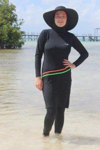בגד ים צניעות עם כיסוי ראש למוסלמיות